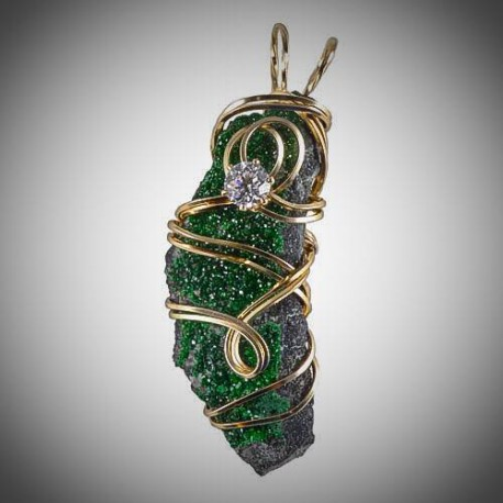 Sculptured Diopside Pendant